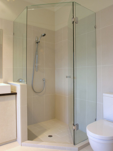 Quadrent shower installed by eurglass brisbane