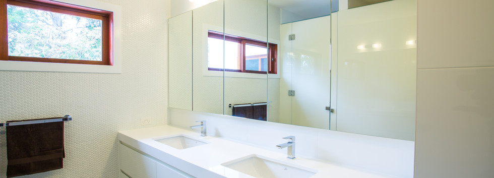 Mirrors above vanity brisbane]