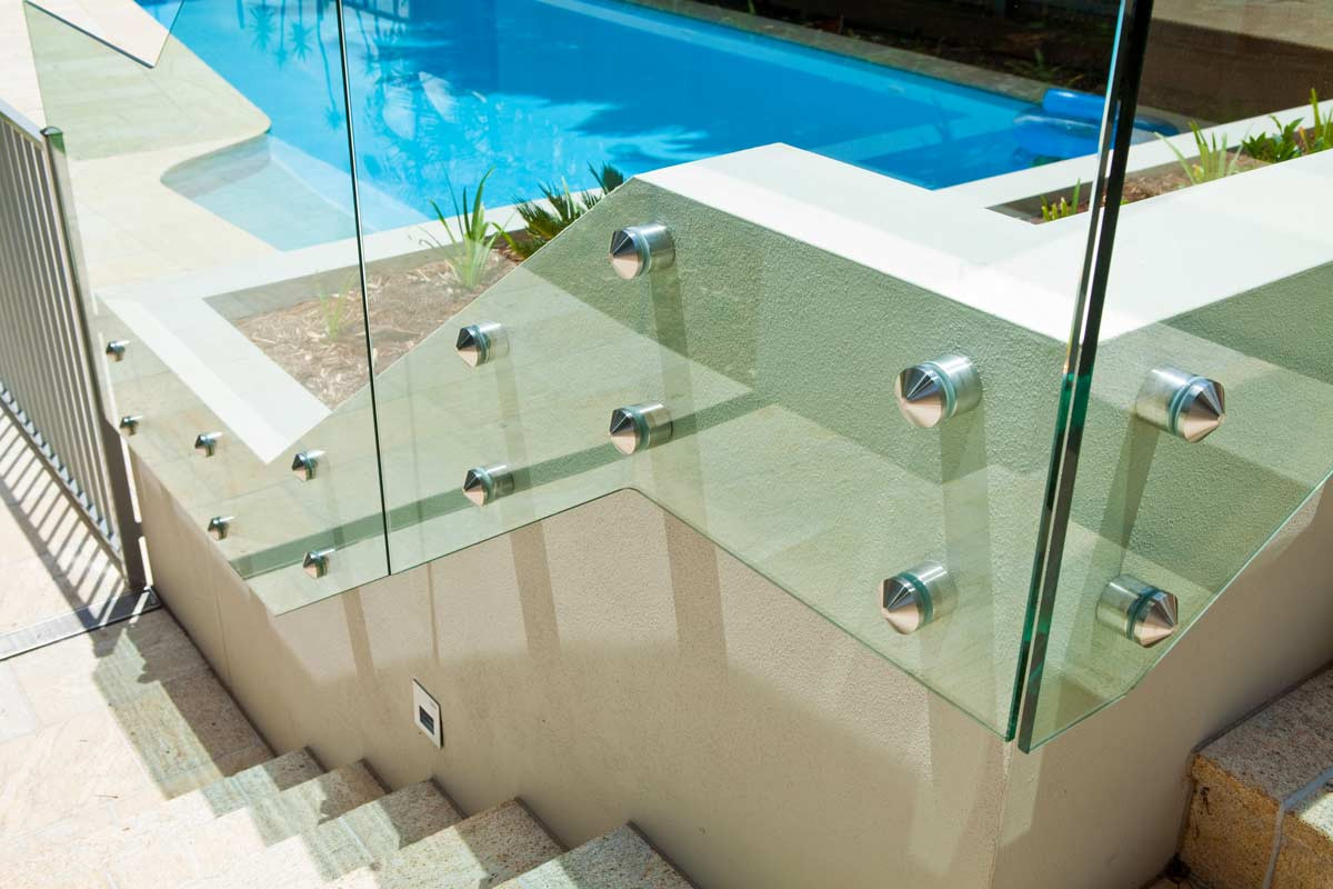 Pin fixed pool fence