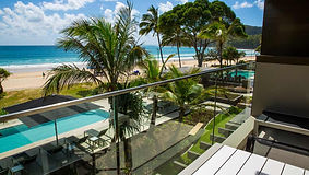 glass-balustrade-with-view-over-ocean-se