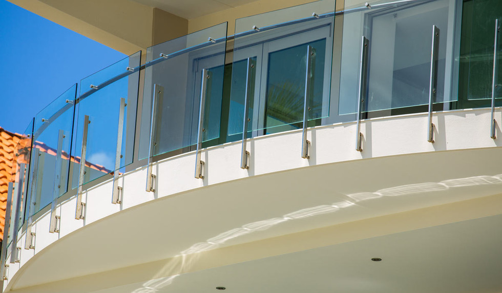 glass-balustrade-with-engineered-fitting