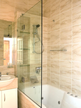 Square fixed shower on bath