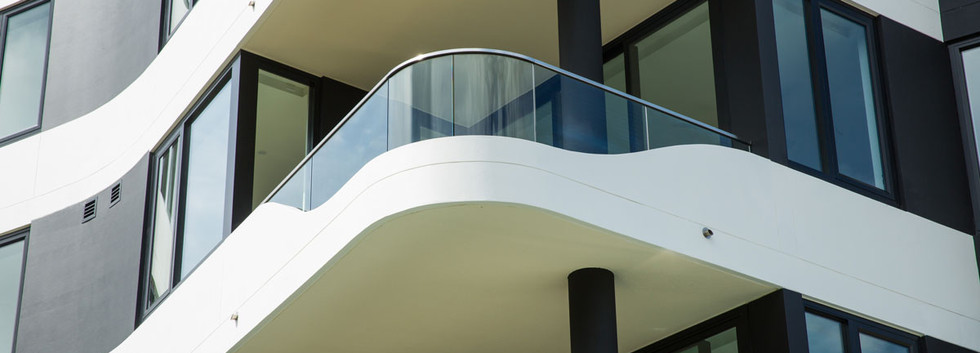 Balcony with curved glass brisbane