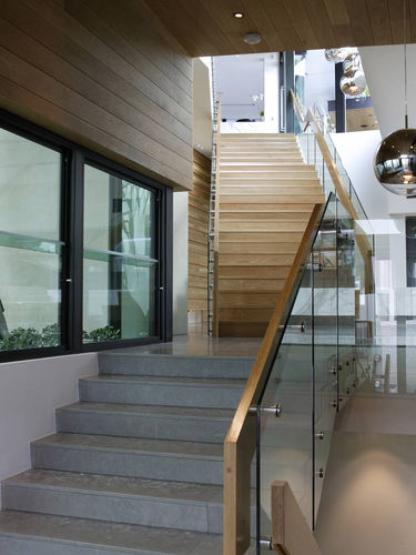 pin fixed staircase balustrade with handrail