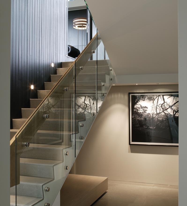 Frameless staircase brisbane \