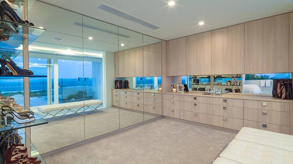 Frameless wall to cieling mirror \
