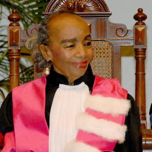 Dr. Ana Judith Román