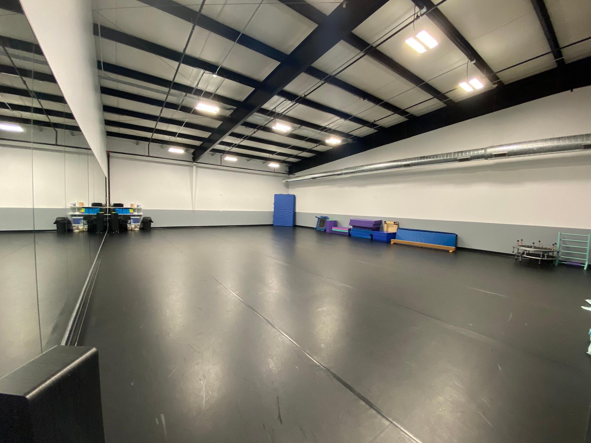 Studio D - Tumbling Room