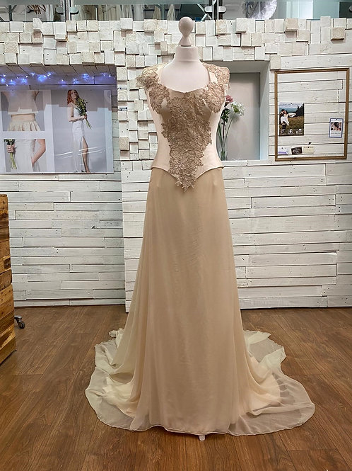 corset embroidered top and long skirt bridal gown wedding dress