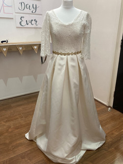 White wedding dress with sleeves and pockets