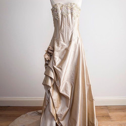 Oyster Strapless bridal dress with flower detail