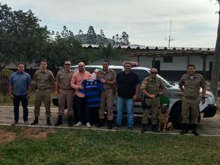 Clube doa cão para 5º Batalhão de Polícia Militar