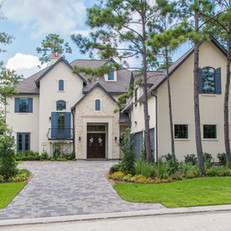 A Transitional Retreat in The Woodlands