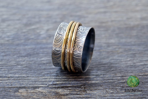 Floral Embossed Spinner Ring with 3 Narrow Spinners