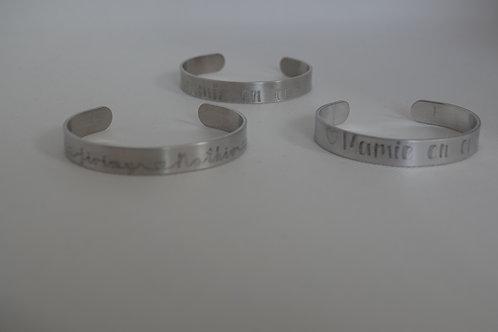 Bracelet en alumium gravé avec le texte de votre choix