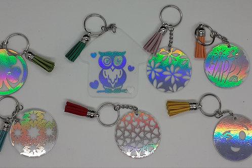 Porte clé avec motifs holographiques argentés et prénom
