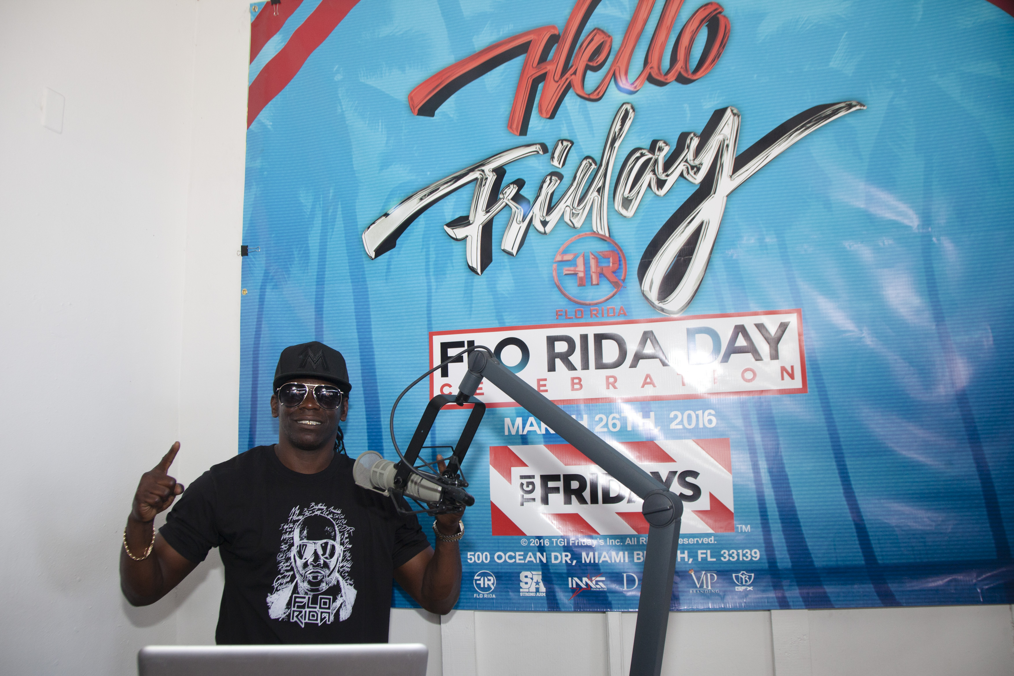 DJ at Flo Rida Day in Miami Beach - TGI Fridays