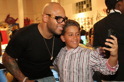 Flo Rida Takes a Selfie with a Fan - Art Basel Party - Miami