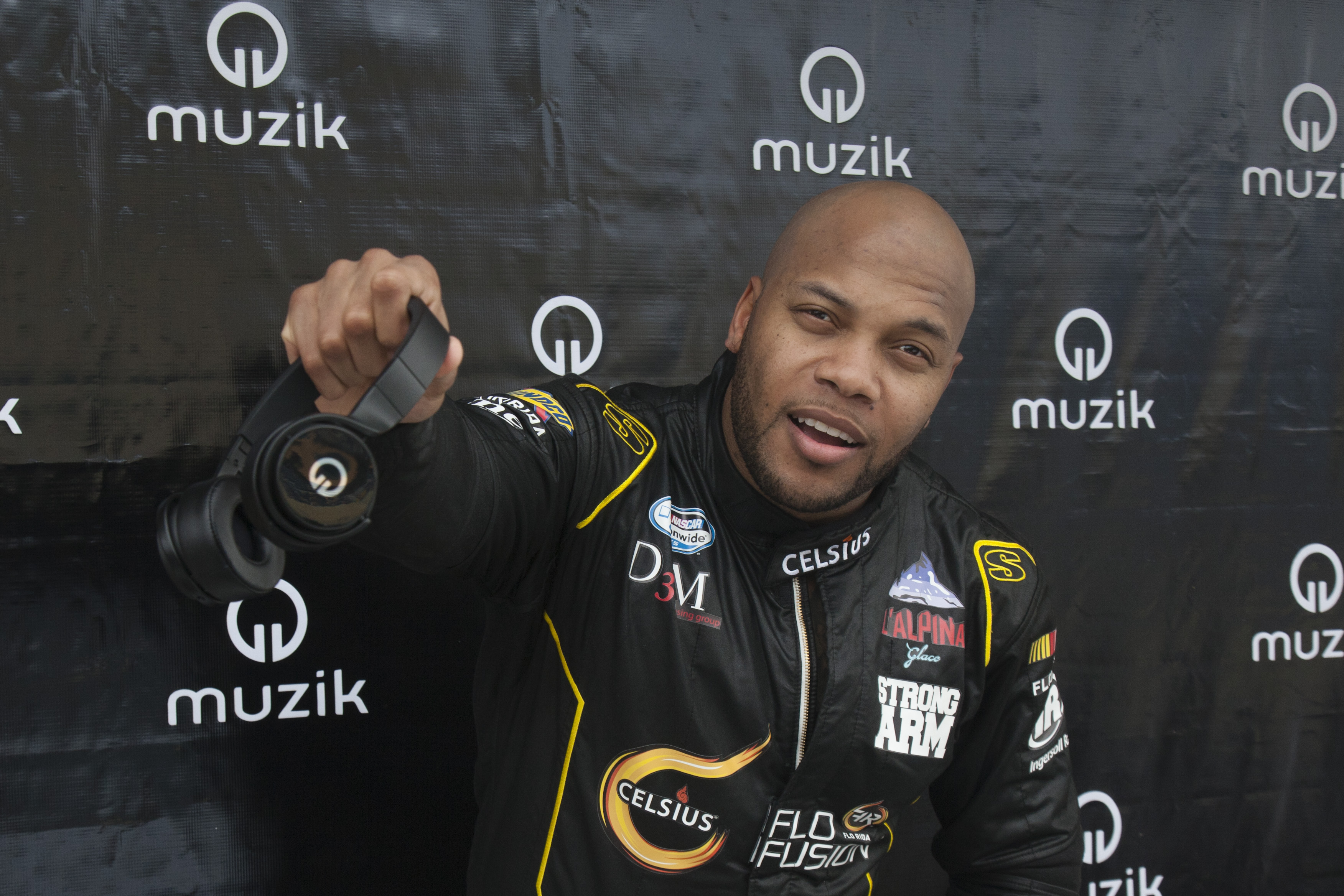 Flo Rida with Muzik Headphones 2