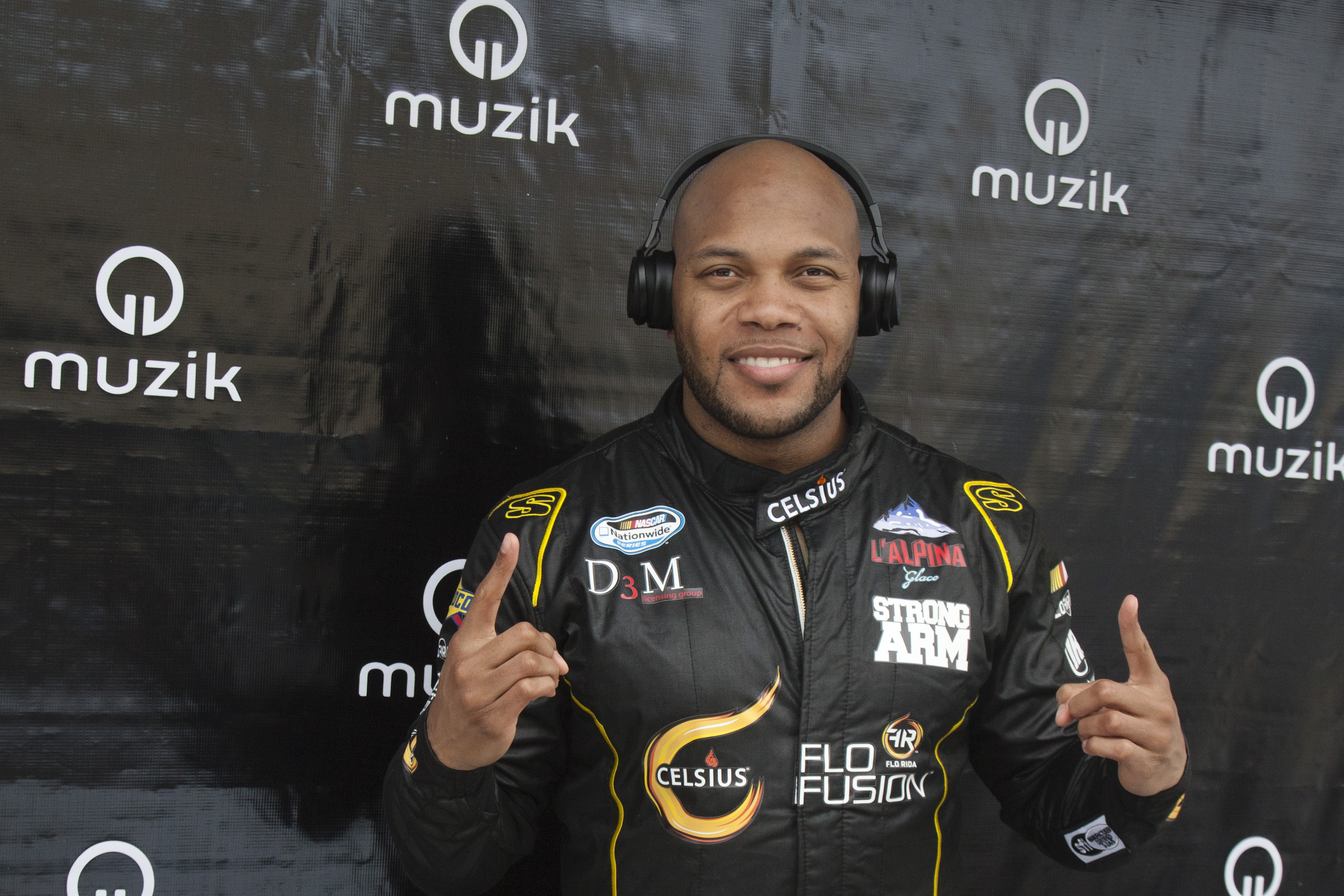 Flo Rida with Muzik Headphones 1