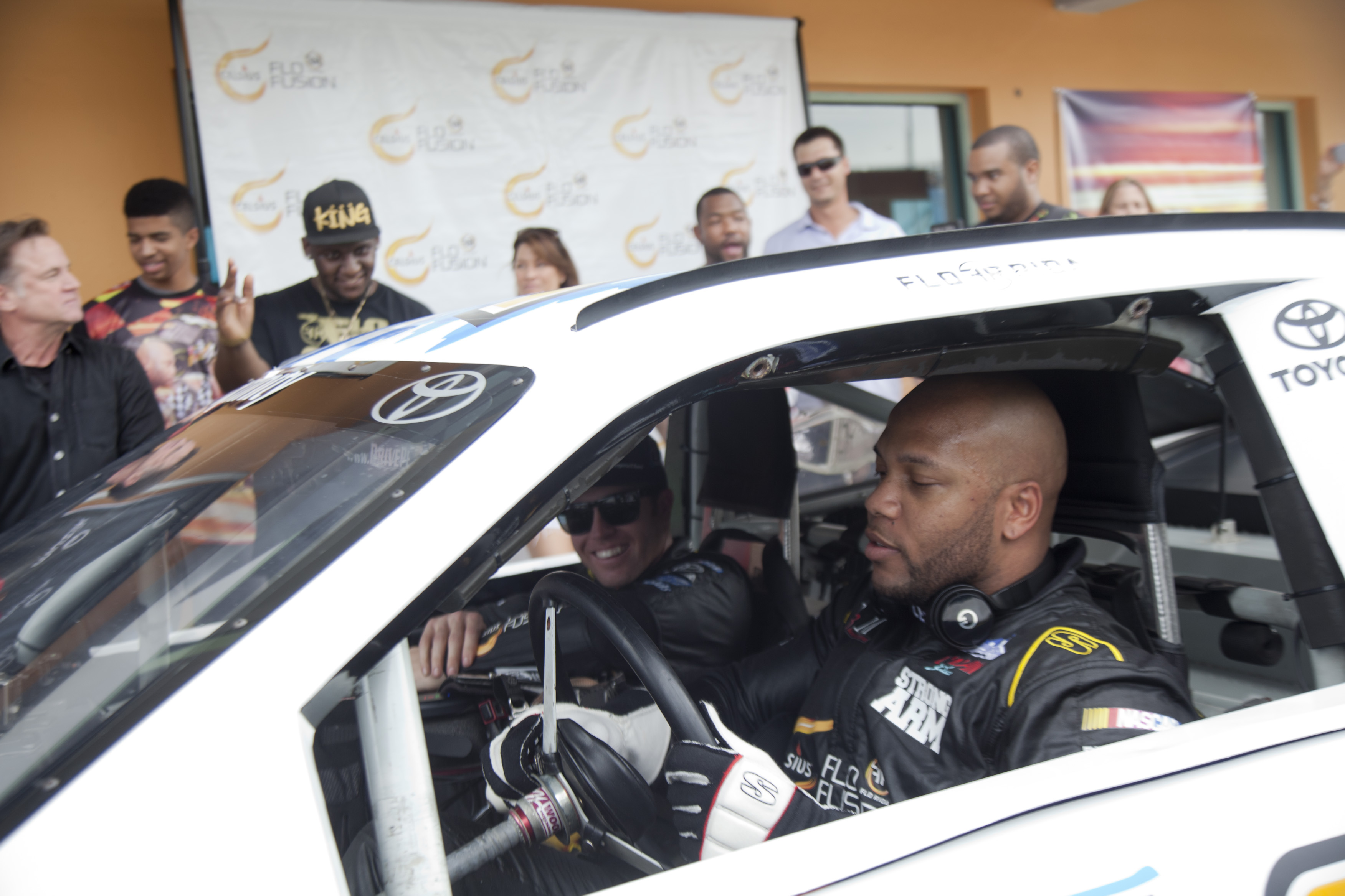 Flo Rida Post-Race - Rapper vs. Racer 2