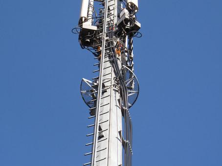 Riverains d'antennes-relais: ADN en danger