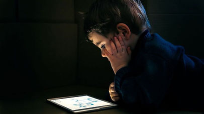 enfant_écran_tablette.jpg