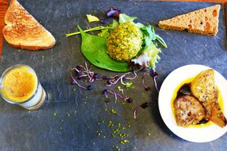 Rocher de foie gras et foie gras chaud.J
