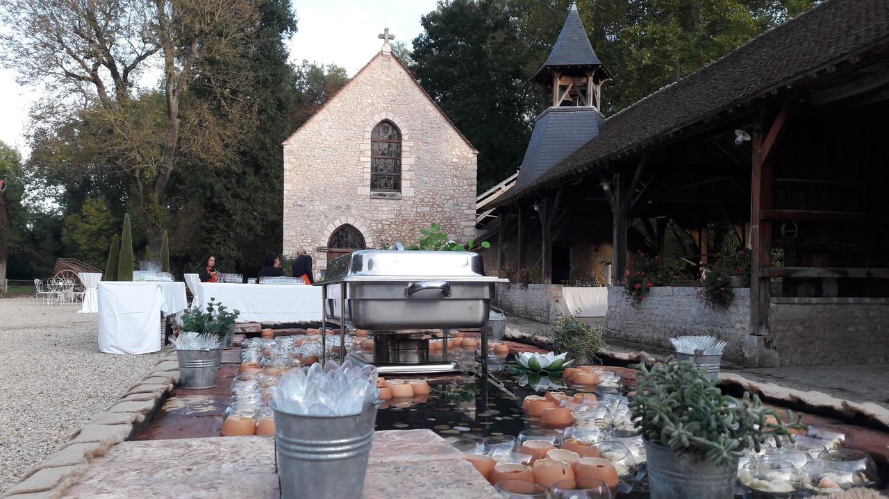 Buffet_sur_l'eau_à_l'Abbaye.jpg