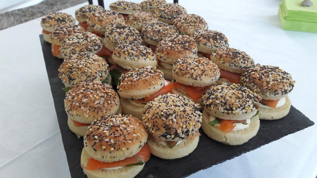Mini burger au saumon.jpg