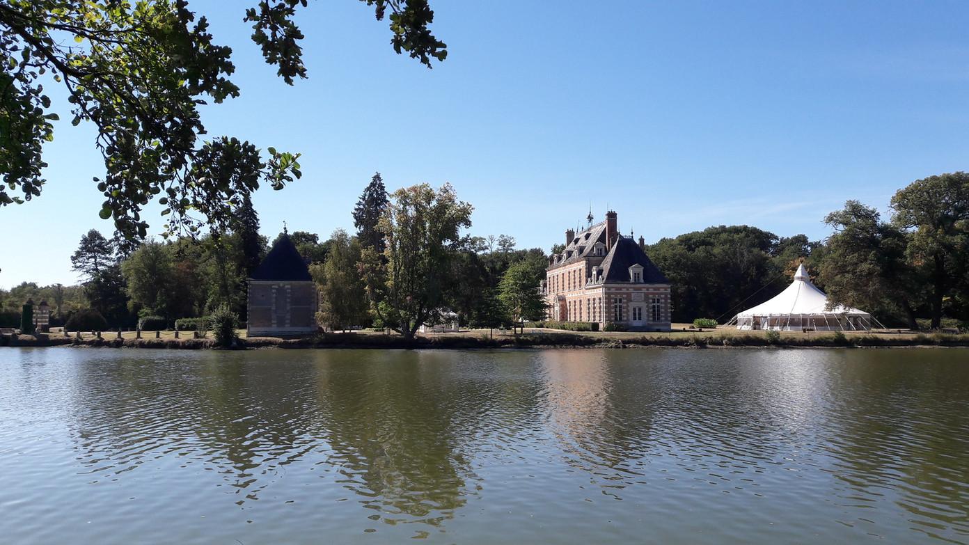 Château_de_Villebourgeon.jpg
