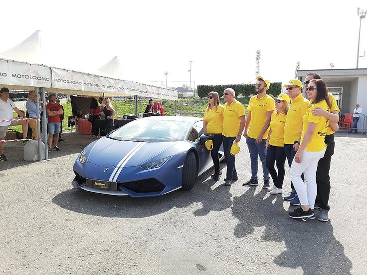 Giornata incentive per gruppi | Team Building con attività automobilistica