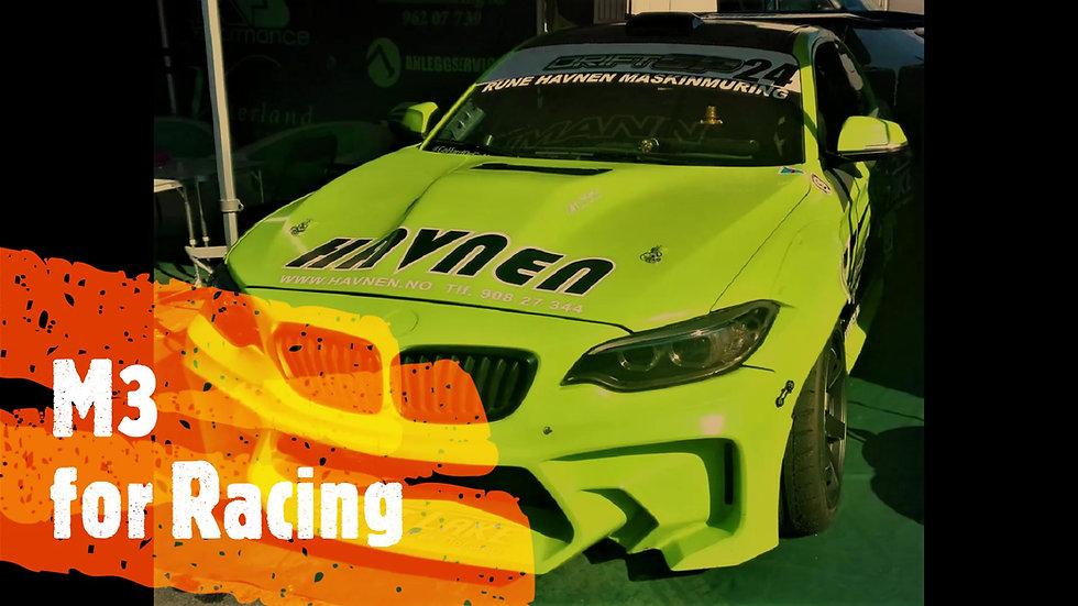 נסיעת מבחן מכונית מירוץ BMW M3 על מסלול מירוץ | מילאנו