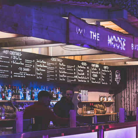 Neverland Bar