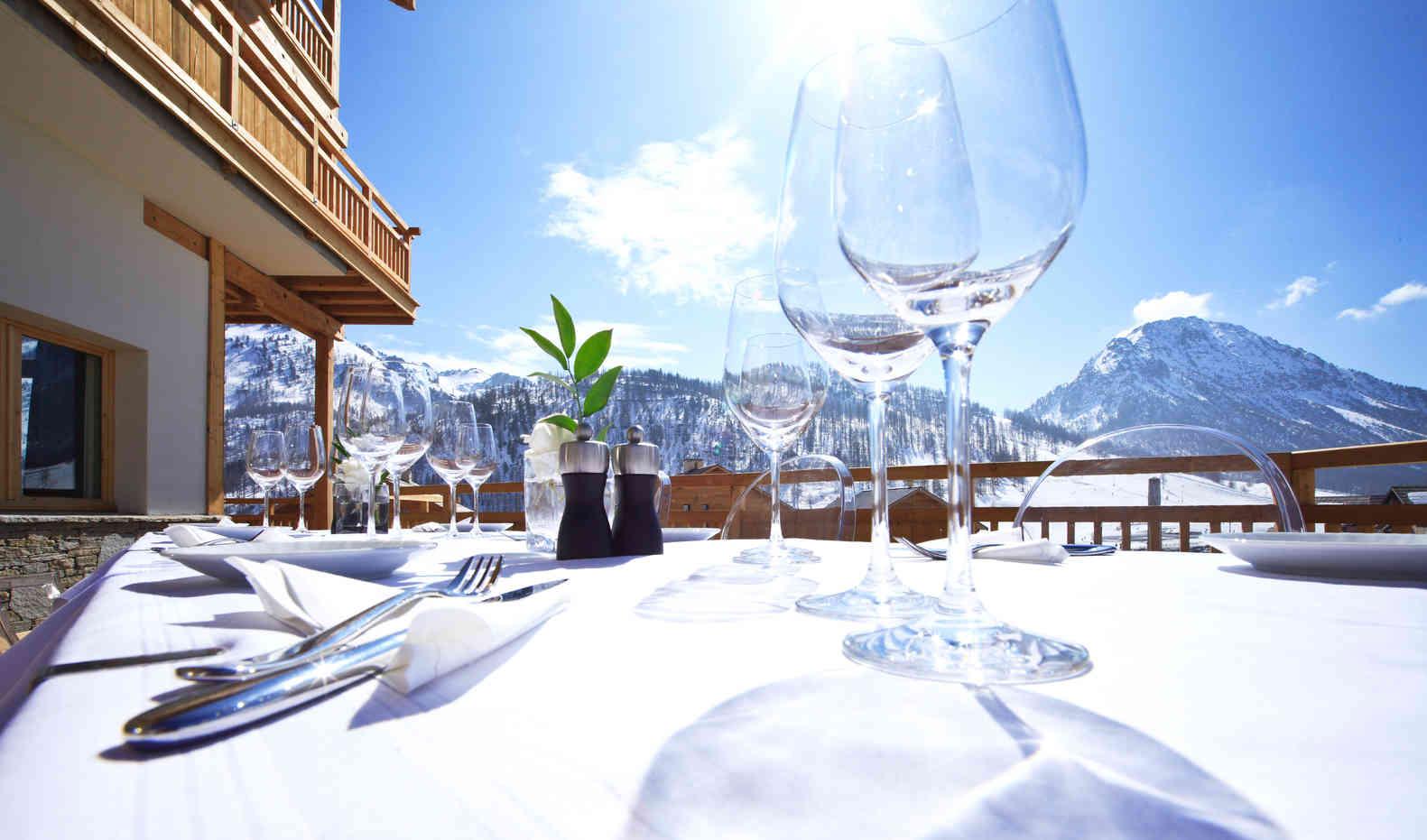 Le Chalet Blanc Terrace