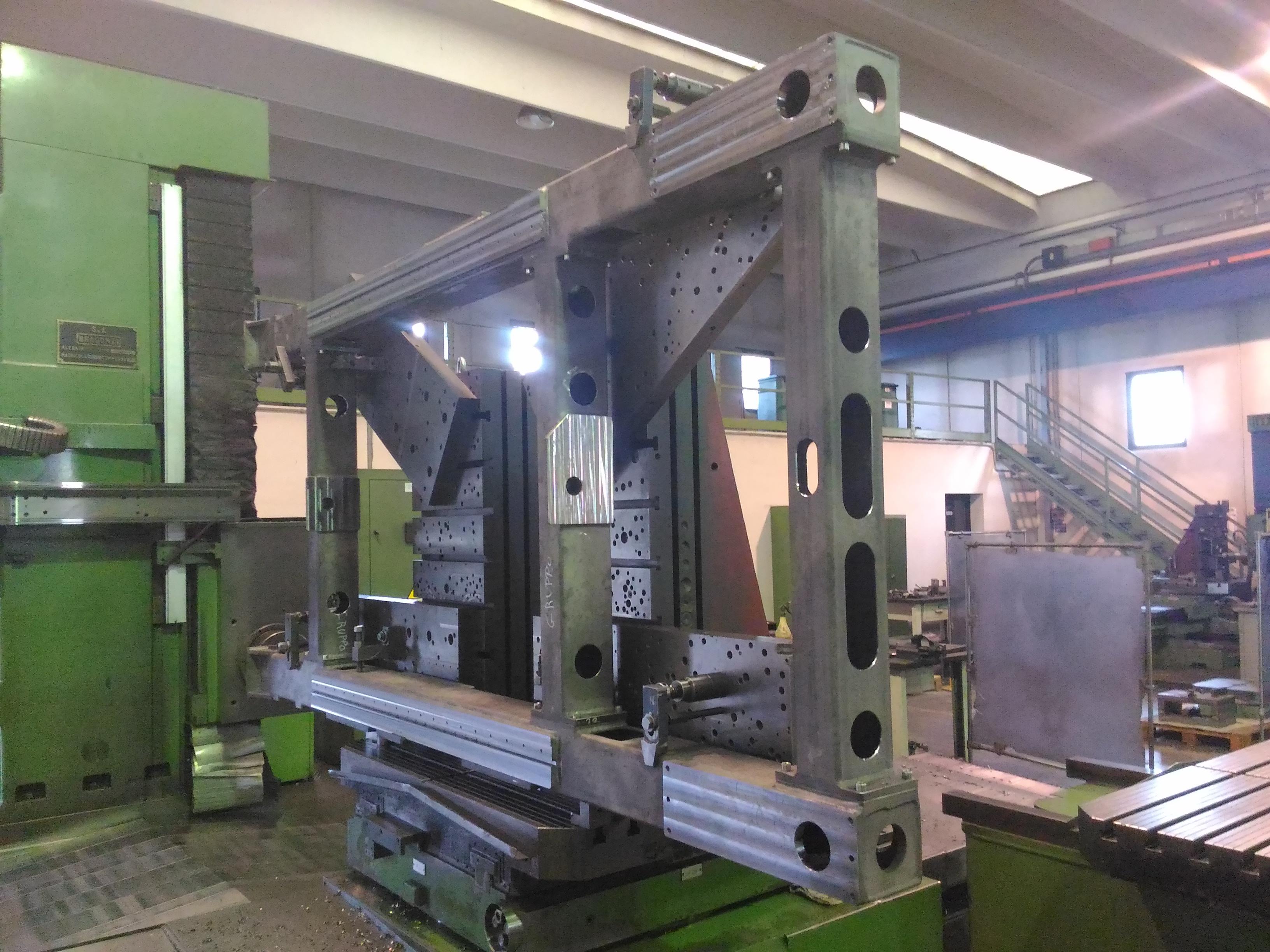 Lavorazione telaio in ferro