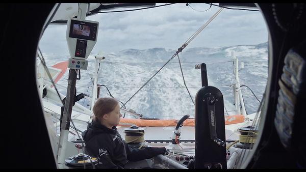 Greta Thunberg traverse l'Atlantique en voilier.