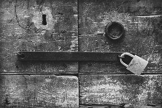 wood-4461472_1920_NB.jpg