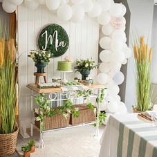 sweet 16th birthday luxury table balloons decor