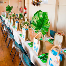 Dinosaur party kids table