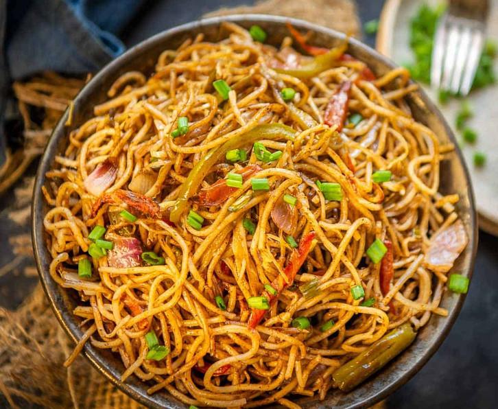 Hakka-Noodles-2-3.jpg