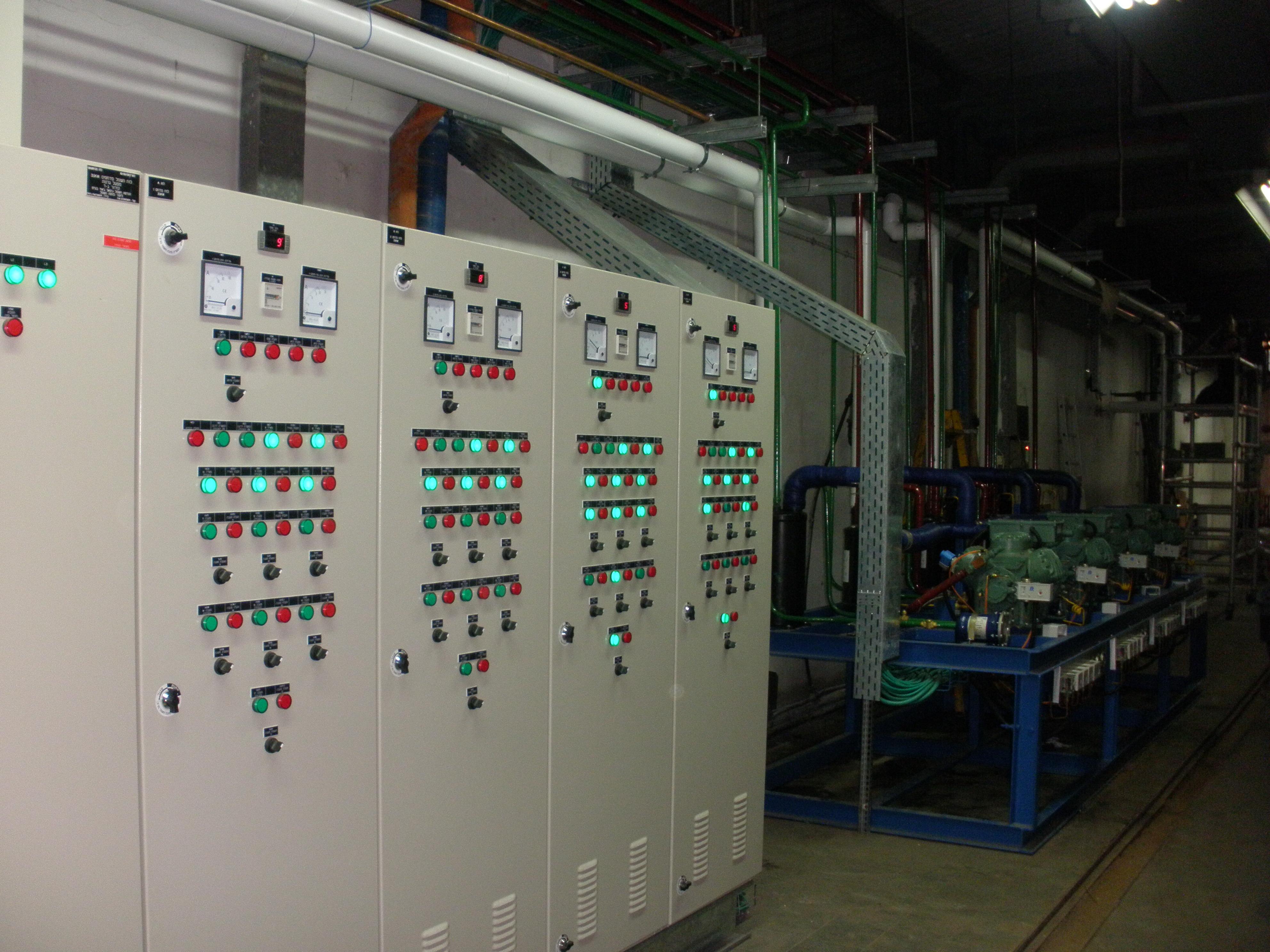 לוח חשמל למערך קירור מהיר