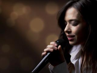 Descubra 5 vantagens da aula de canto em domicílio