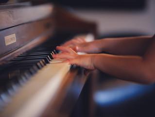 Aula de piano e teclado em domicílio auxilia no tratamento de doenças