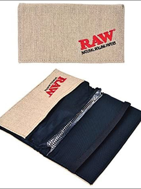Raw pouch