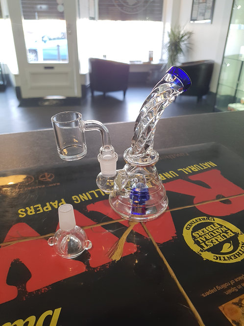 Twisted glass rig