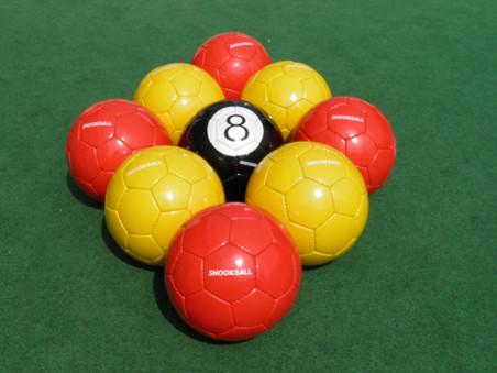 Kit UK 11 balls.JPG