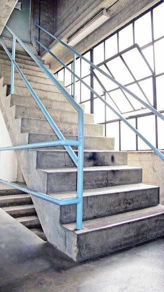 stairway_V_0626_240x10x17.jpg