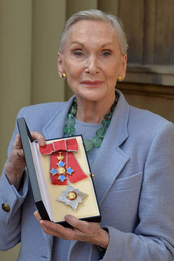 Dame Siân receives DBE at Buckingham Palace