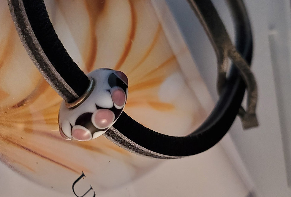 Unique Leather Bracelet, Black Pepper - White and Pink Bead